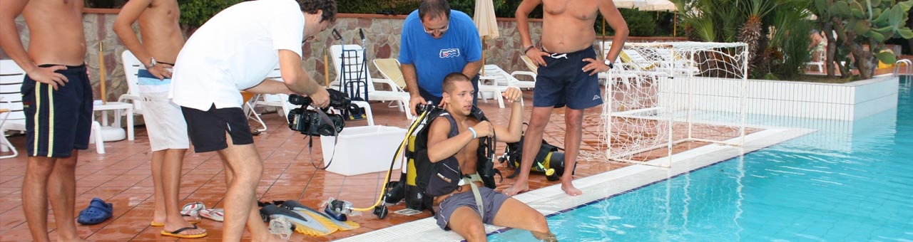 Holiday sport and recreation complex palinuro diving demonstration